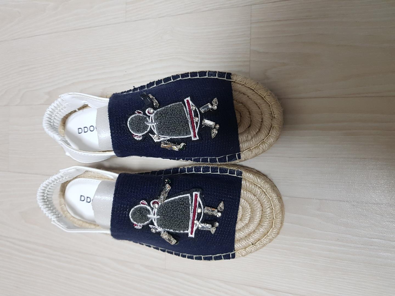 여자 새 신발 235