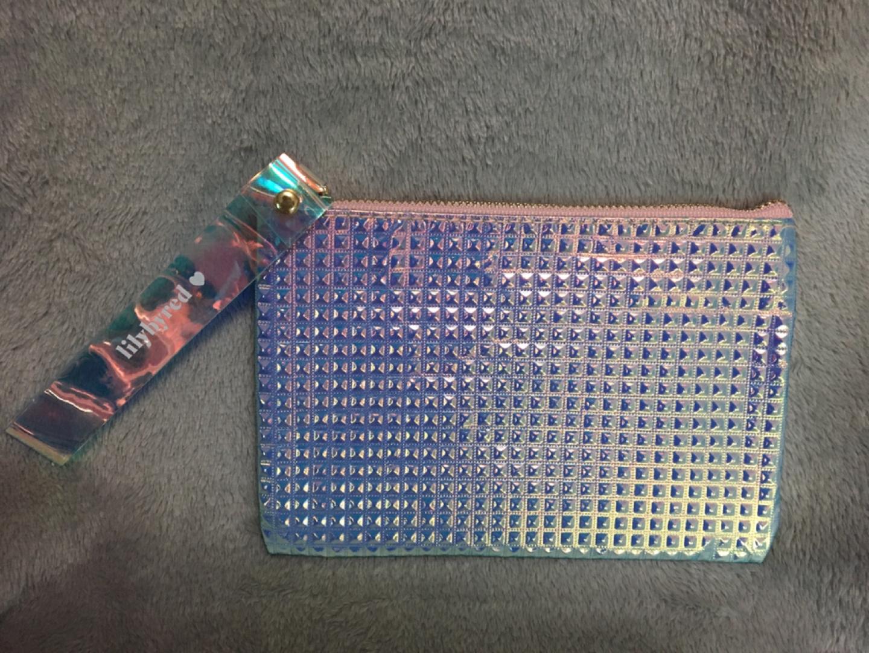 파우치 또는 손지갑