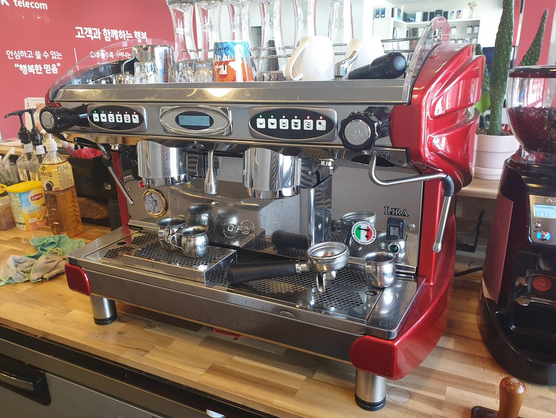 커피숍 정리합니다 (머신기,그라인더,제빙기,냉장고)
