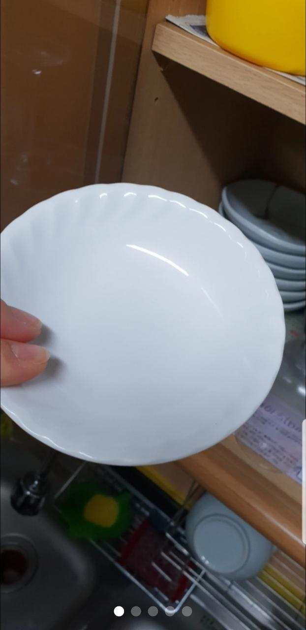 그릇셋트A..국그릇7밥그릇7접시는 작은거부터큰것까지60개넘을듯욧