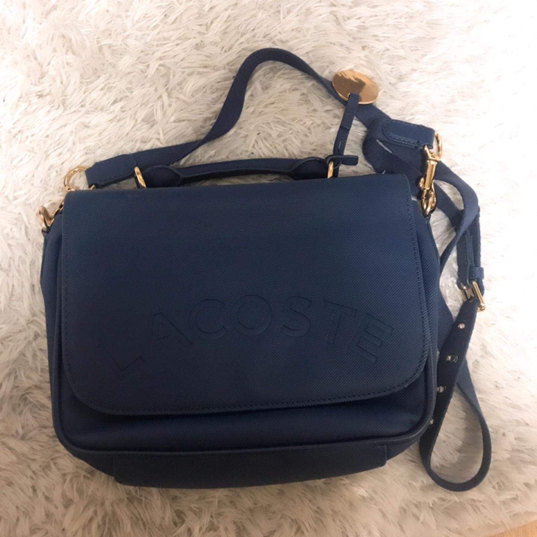 [라코스테크로스백2만원] 밀라노 매장에서 샀었던 가방입니다. 1/5가격에 내놓아요!