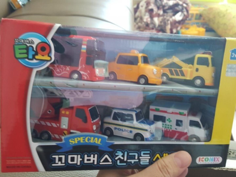 꼬마버스 친구들 세트 새제품 (스페셜) + 타요 버스 팝니다.