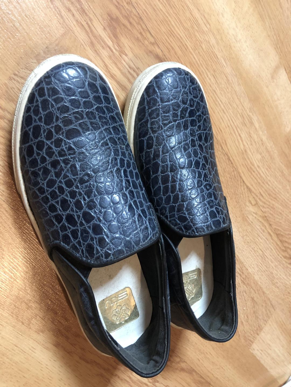 가격내림)stiu. 스티유 슬립온. 운동화. 신발.