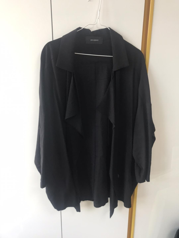 (가격인하) 검은색 얇은 자켓 판매합니다.