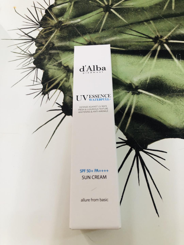 [달바]워터풀 에센스 선크림 30ml 미개봉 새상품