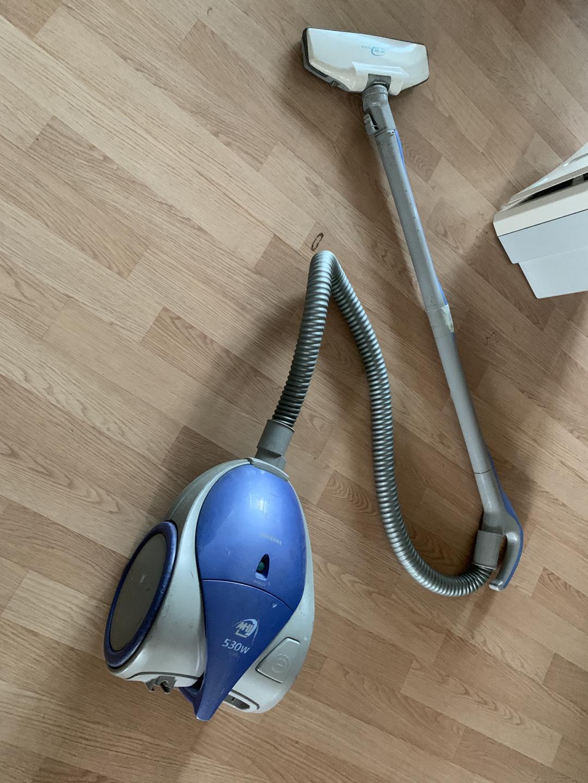 청소기 나눔 합니다 사용감 많지만 흡입력 강합니다