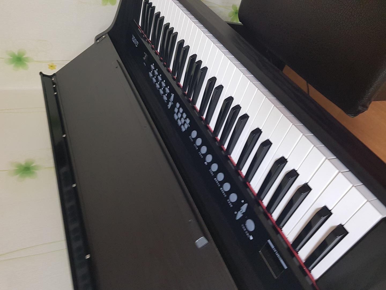 디지털피아노팝니다