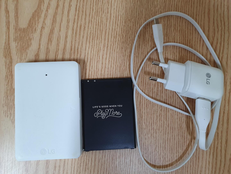 V20 충전케이스, 배터리, 충전기, USB 충전기 케이블(모두 정품입니다)