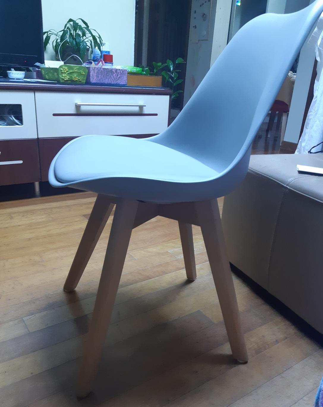 의자 4개