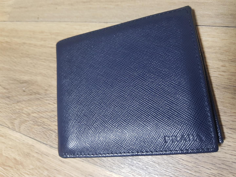 프라다반지갑