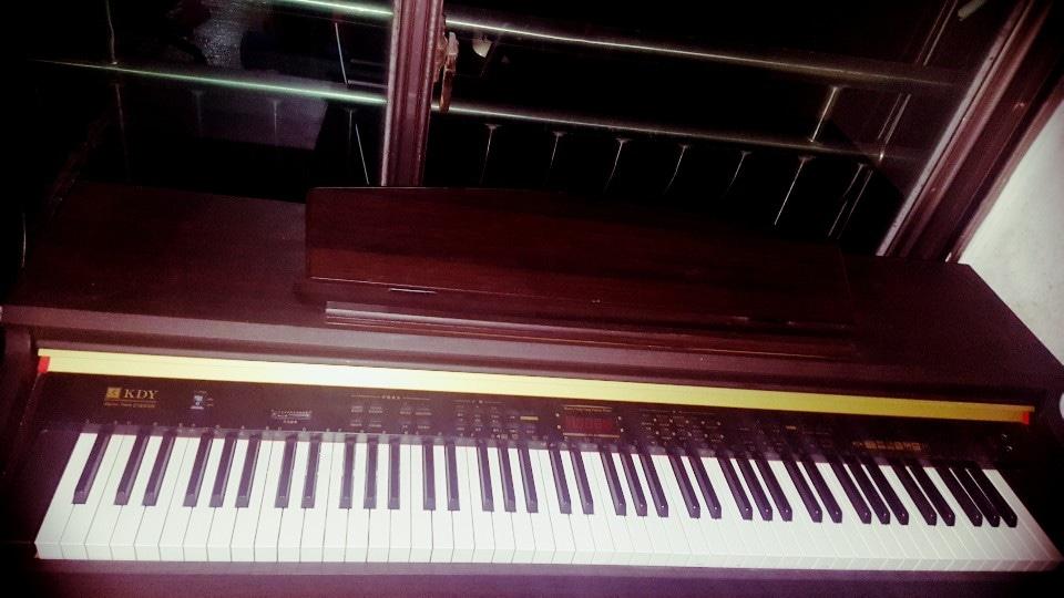 KDY 전자피아노 팝니다.