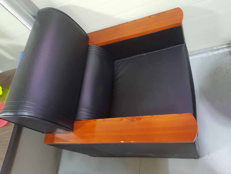 사무실용 쇼파 4조와 테이블