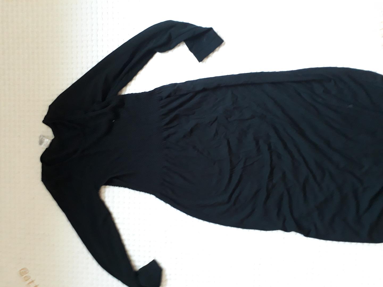 세컨스킨 긴팔 블랙 원피스. 55