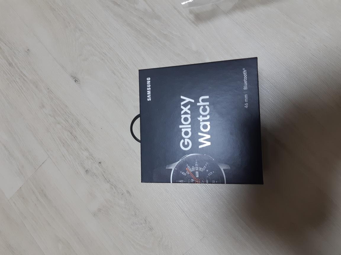 가격다운  갤럭시 워치 (sm-r800n)팝니다  새제품