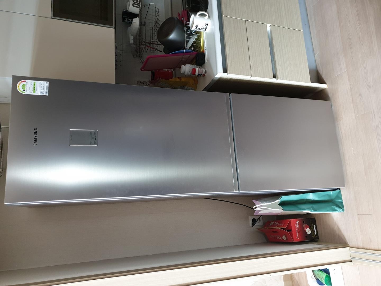 삼성 슬림형냉장고 RB34K60057F 350리터 상태 깨끗한거 판매해요.