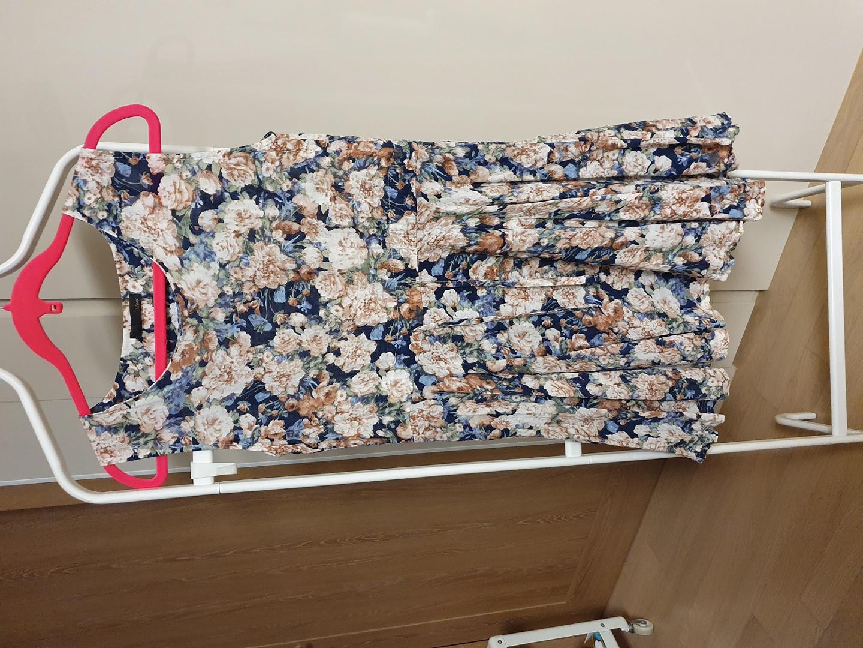 (가격내림)르샵 꽃무늬원피스(55추천)