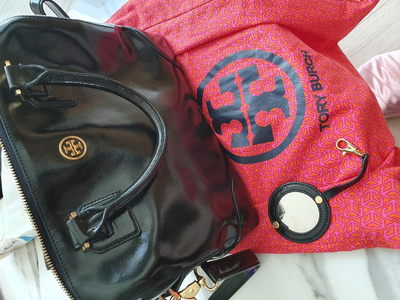 토리버치 가방 (네이비 페이턴트)
