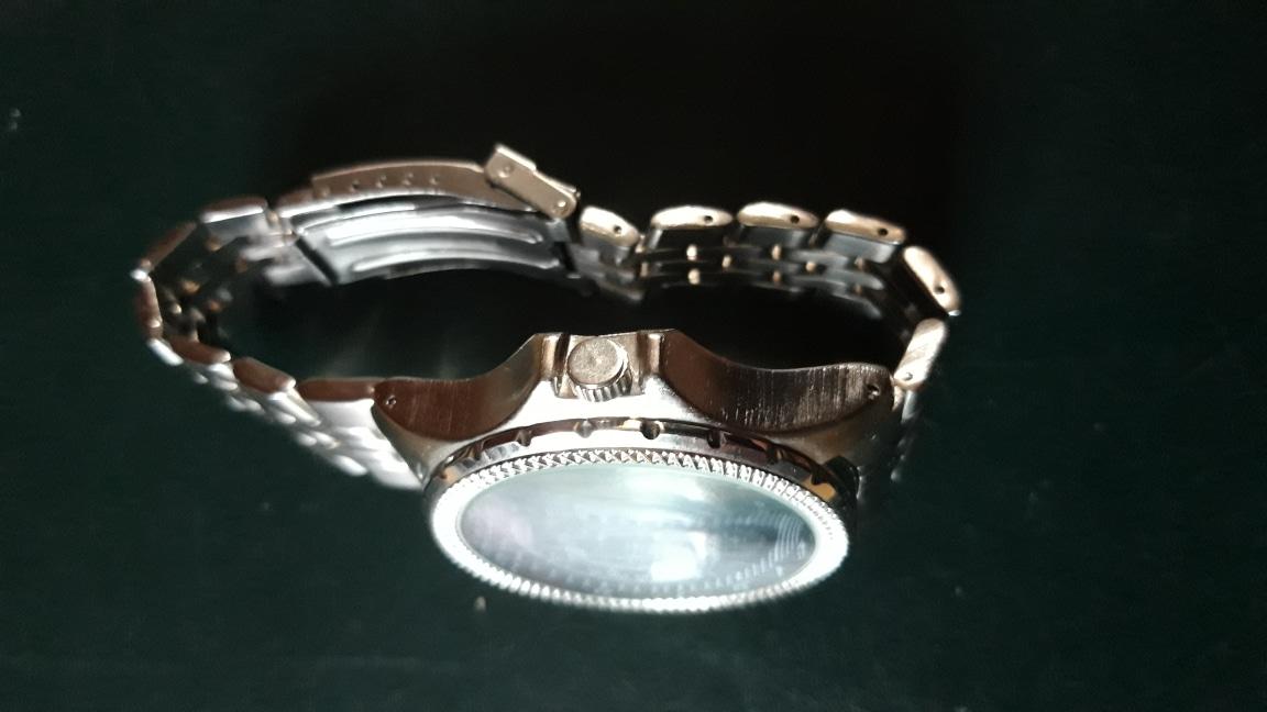 선물 받았어요    일본 산   999프로  올스텐니스   좋아하시는분 있으면  주고  깁니다  시계이름 니키