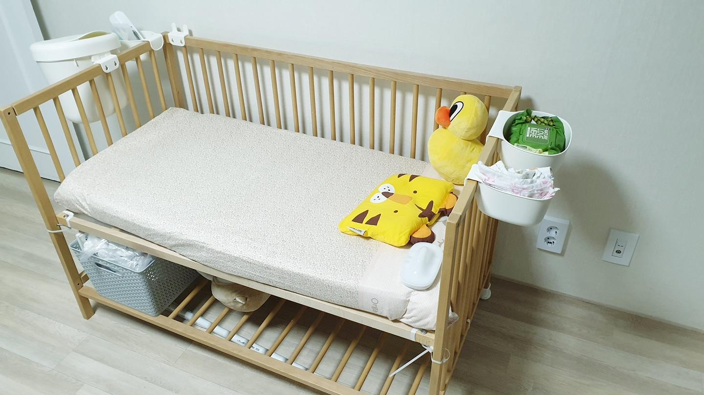 이케아 스니글라스 아기침대와 아기침대 바구니