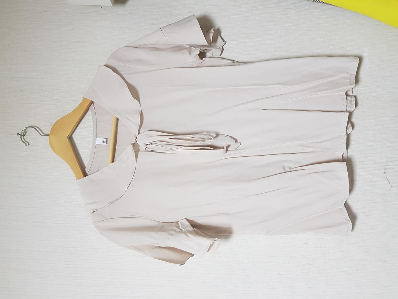 연베이지블라우스(새옷)