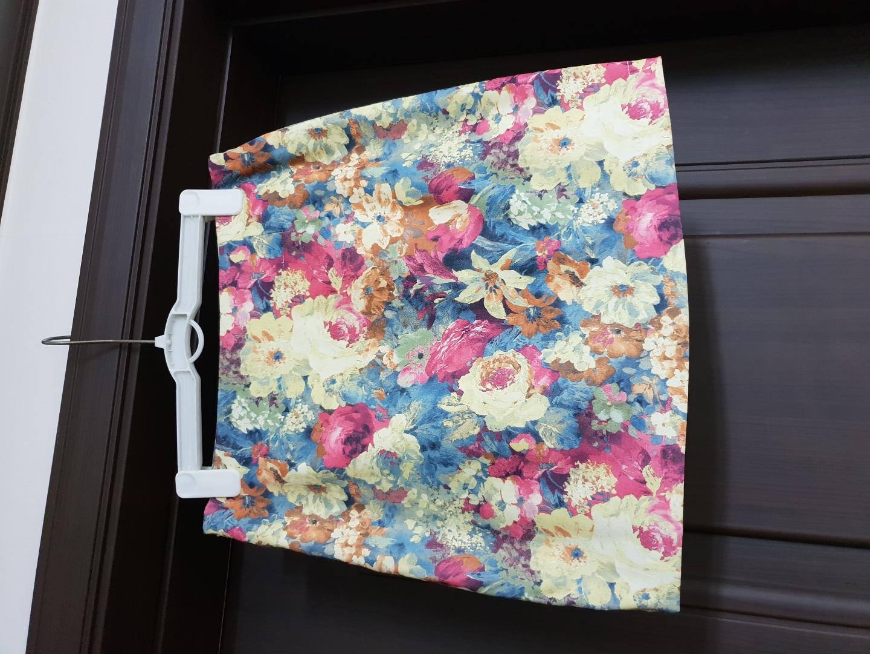 꽃무늬 H라인 스커트