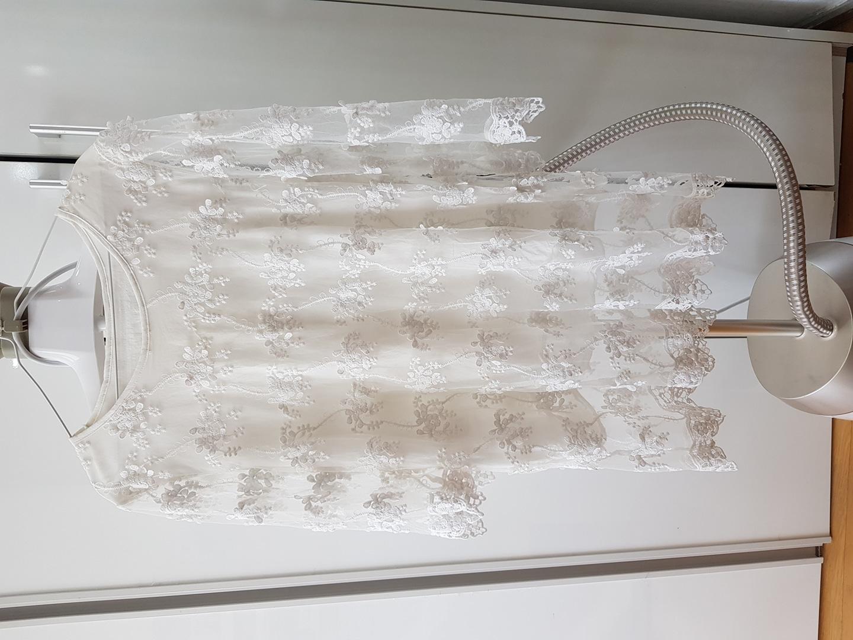 흰 레이스원피스