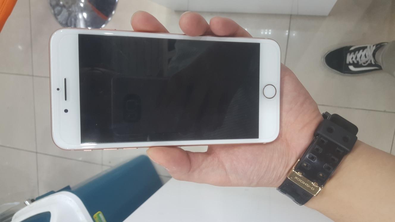 아이폰8+ 64기가 골드 판매합니다