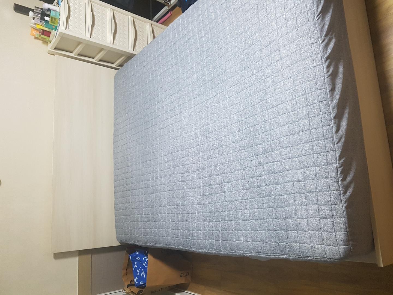인의동 레이디가구 퀸프레임+퀸매트리스 침대팝니다