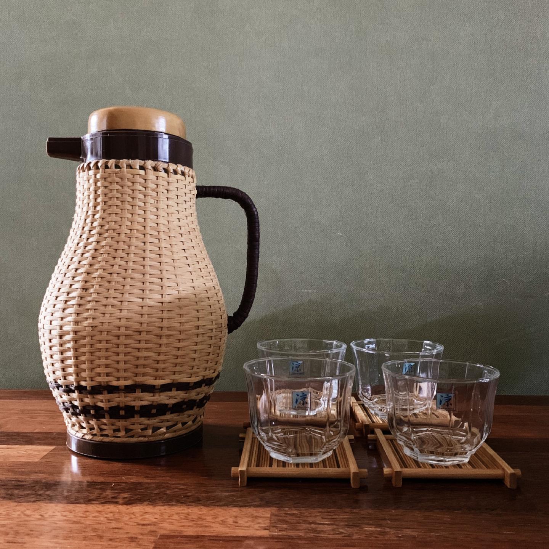 일본 빈티지 라탄 물병과 유리컵, 대나무 코스터 세트