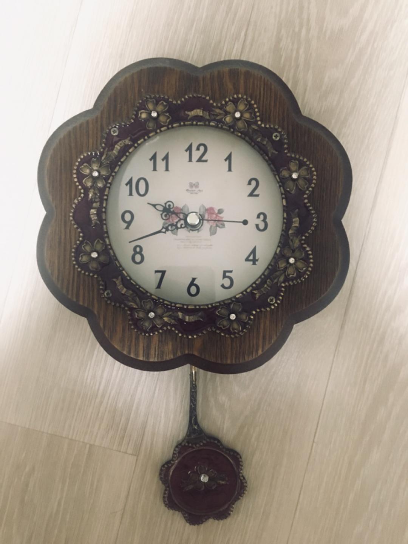 작은 벽걸이용 시계
