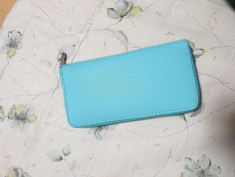 민트색 지갑