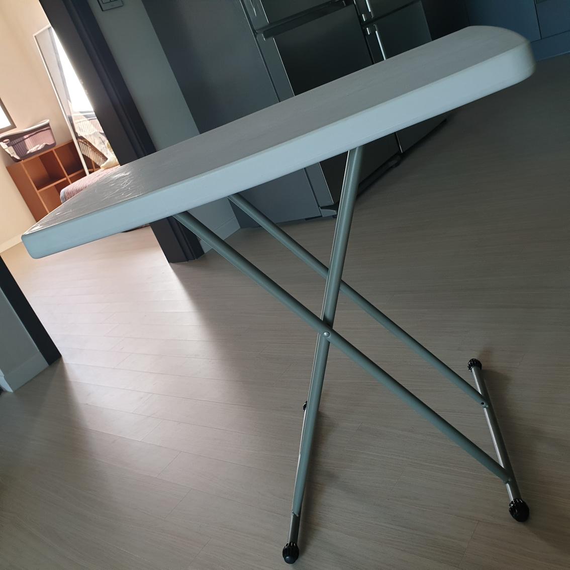 이동식 테이블