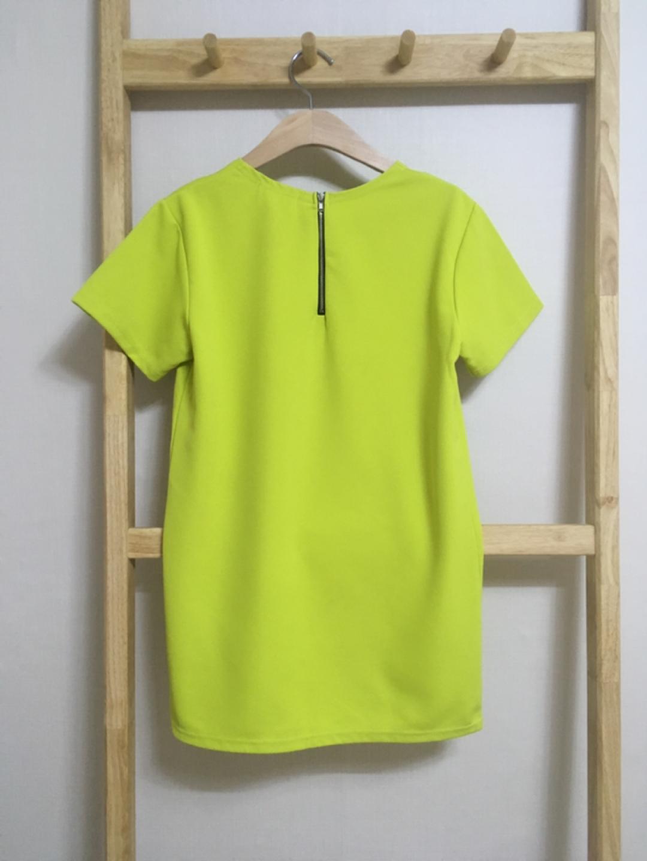 요즘트렌드컬러라임색티셔츠