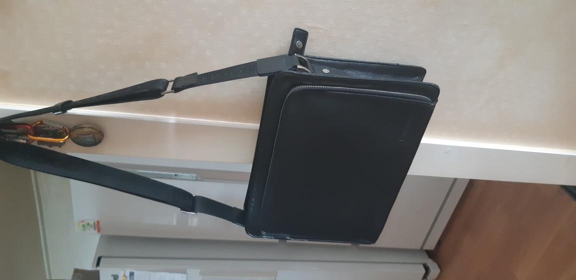 파코라반 남자 서류가방