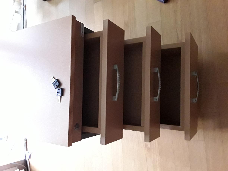 책상과서랍장