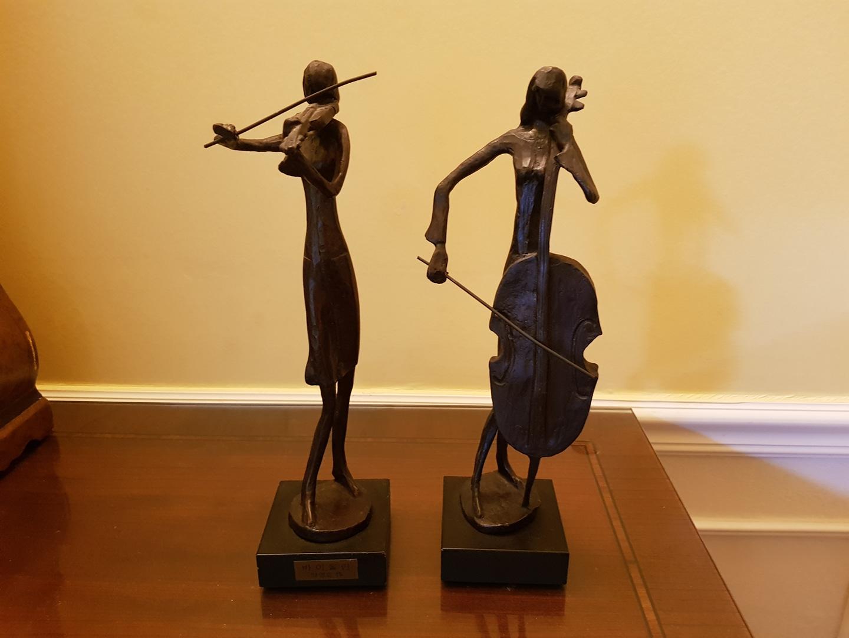 바이올린과 첼로 동상셋트(각각 판매 가능)
