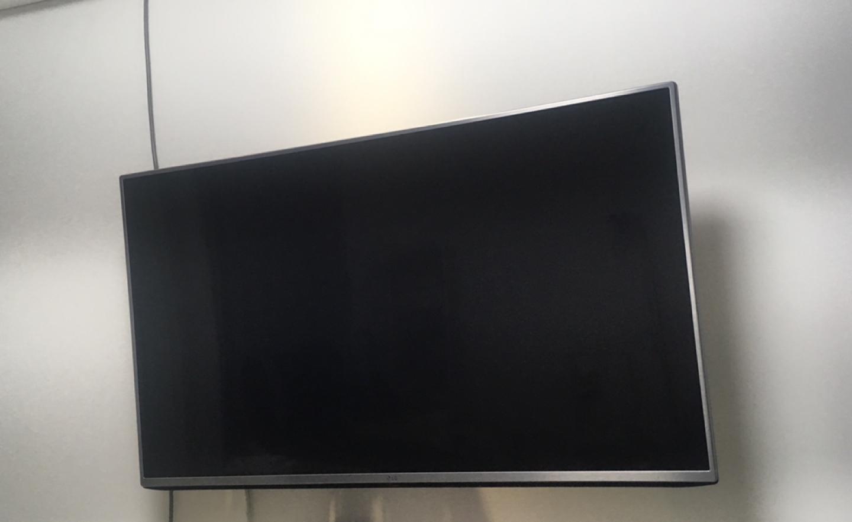 49인치 LG 티비 팝니다(49LH5830)/각도조절 벽걸이형