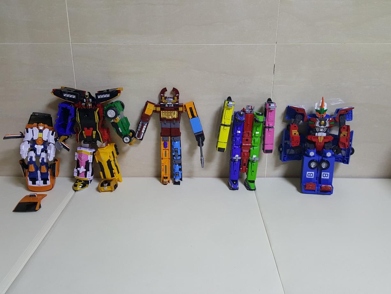 변신 장난감 헬로카봇 로드세이버 버스.디젤킹 .파워레인져 캡틴킹. 아티 장난감