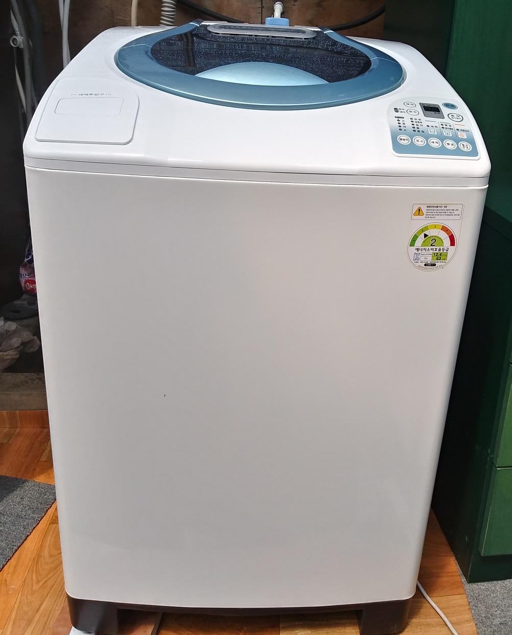 깨끗한 대우 12kg 통돌이 세탁기