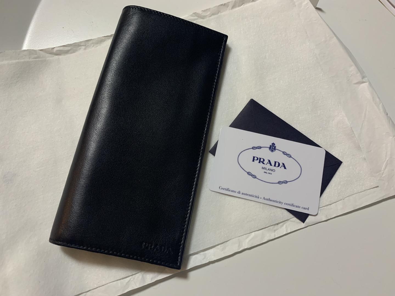 프라다 레더 장지갑 (미사용)