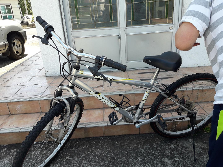 자전거 필요하신 분은 연락주세요.