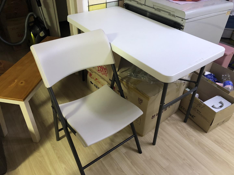 코스트코 테이블 +의자