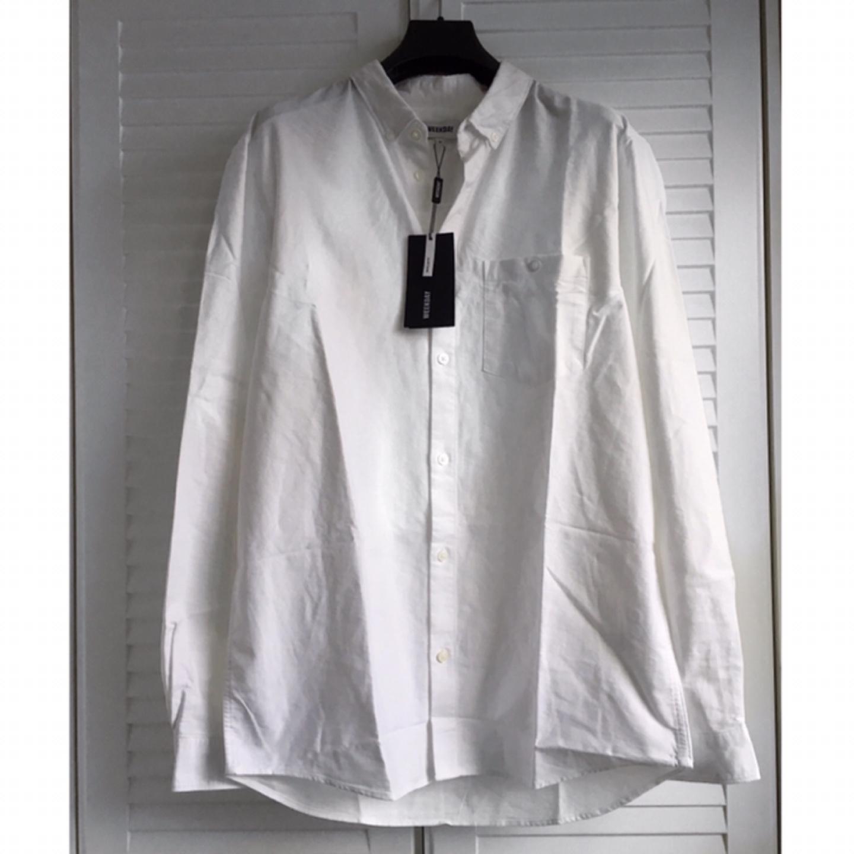 (새상품) WEEKDAY 오버사이즈 화이트 셔츠 L