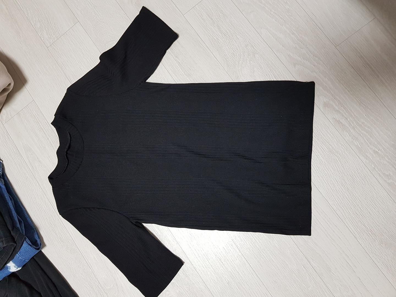 블랙티셔츠 새것