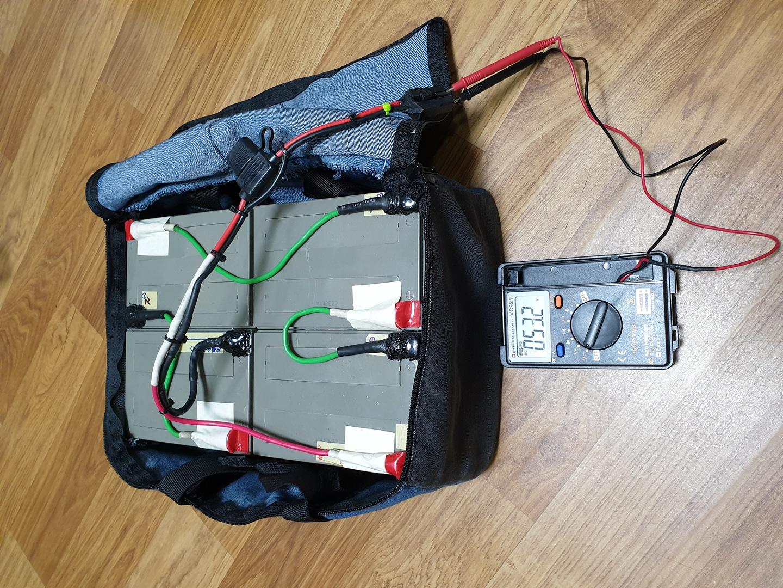 우버스쿠터용 납산48V 배터리 판매 합니다.