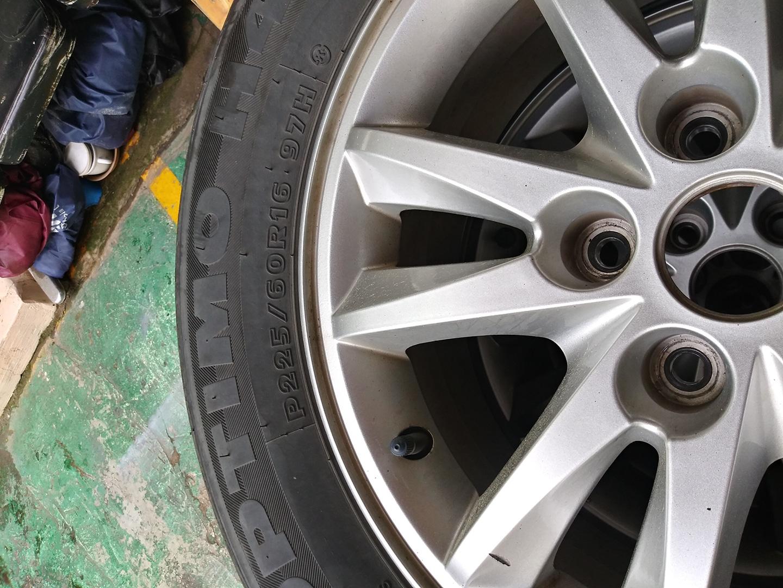 타이어,휠 16인치 판매합니다