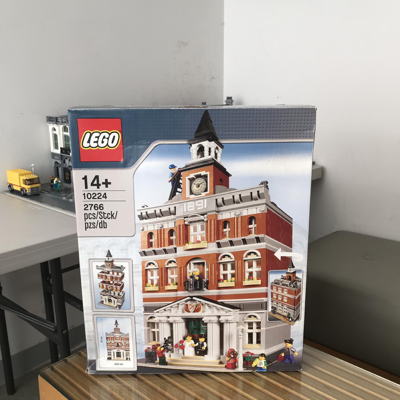 중고. 레고 모듈러 시청 ( 10224 )
