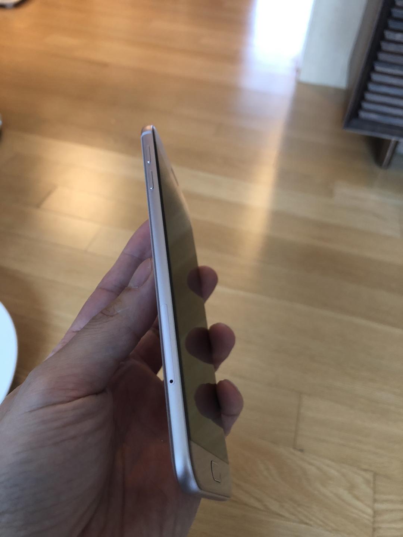 2016 a8 핸드폰