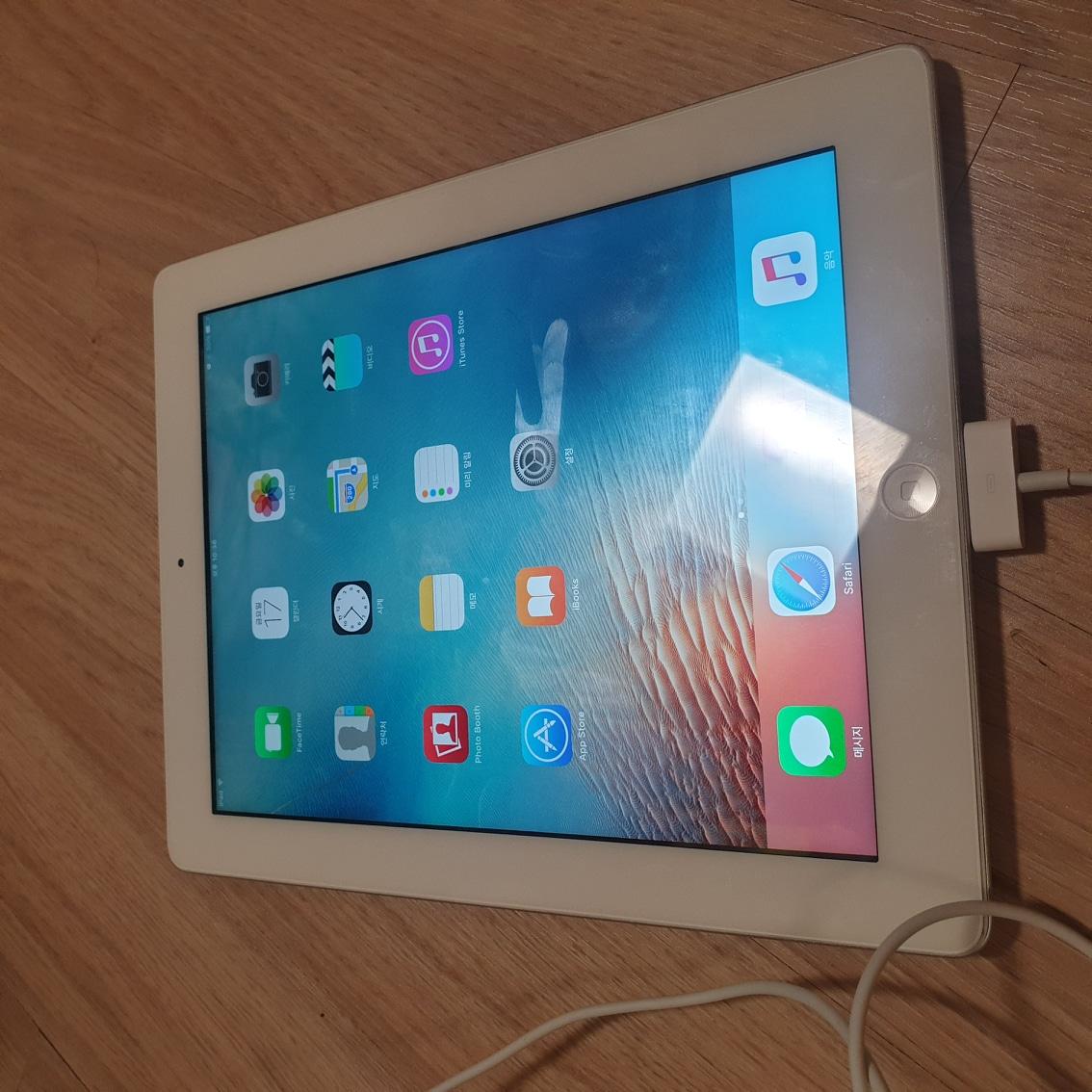 뉴아이패드(아이패드3) 16G wifi/ 충전케이블 포함 / 동탄직거래 /택배가능