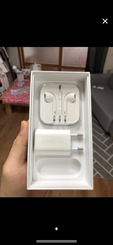 아이폰6이어폰 / 충천아뎁터 둘다 미사용 이어폰 미개봉 제품입니다!(택포)